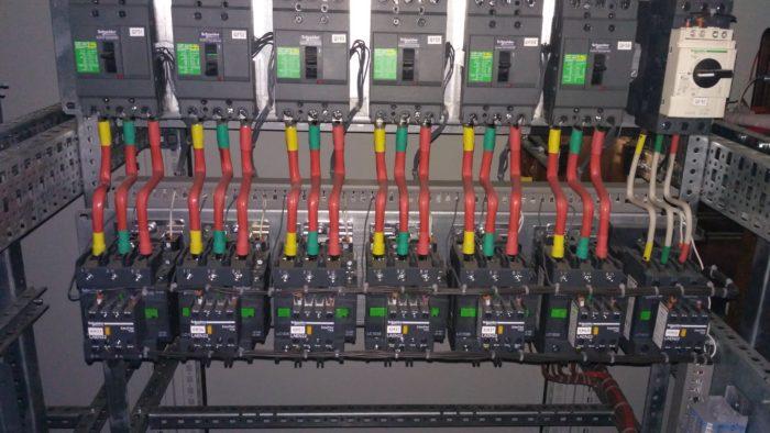 Щитовое производство: Комплектное распределительное устройство для управления двигателями цеха